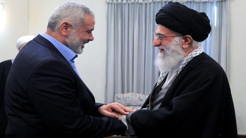 الإمام الخامنئي يبعث رسالة شكر إلى هنية لتعزيته برحيل العميد السيد حجازي