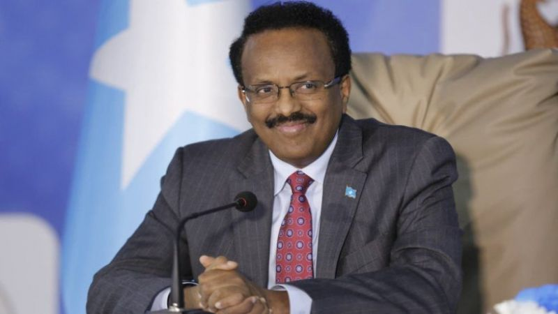 رئيس الصومال يتنازل عن تمديد ولايته