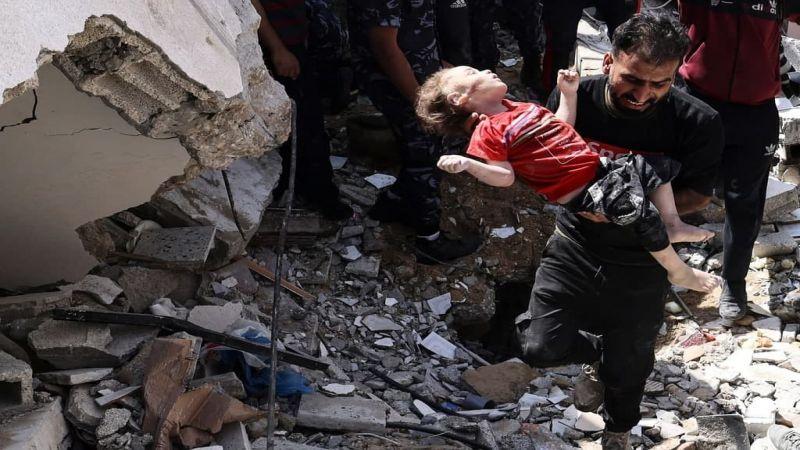 صور مؤثرة.. آلة القتل الصهيونية تسحق أجساد الأطفال في غزة