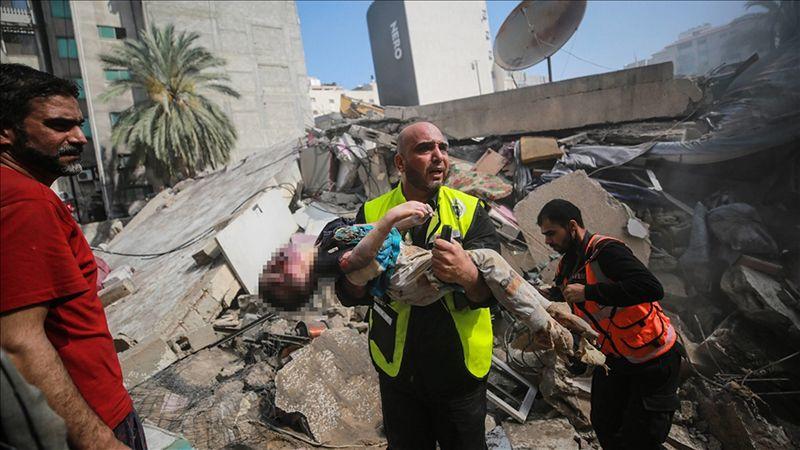 """نتنياهو يشوه الحقيقة ويزعم """"براءة"""" كيانه: لا نقصف المدنيين ولا نُدمِّر المدن"""