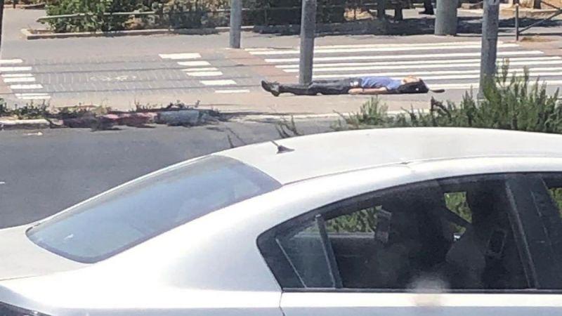 إصابة جنديين إسرائيليين في عملية طعن في القدس المحتلة واستشهاد المنفذ