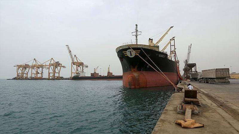 بعد حصار 6 أشهر.. البنزين يصل الى ميناء الحديدة