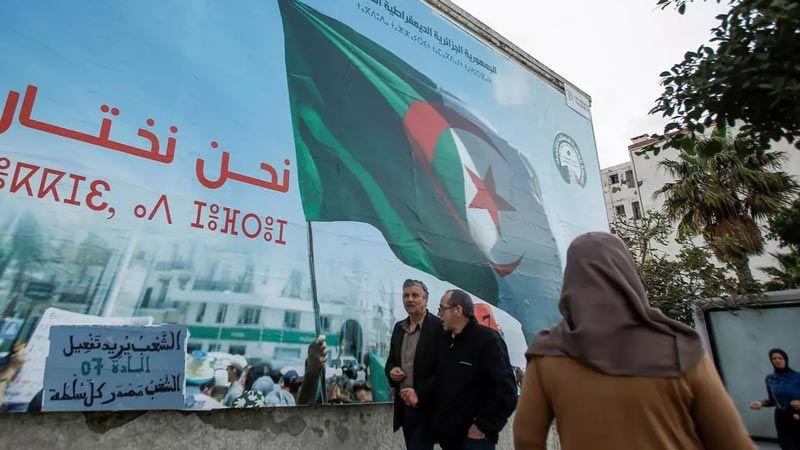 الجزائريون ينتخبون اليوم برلمانهم وفق نظام اقتراع جديد