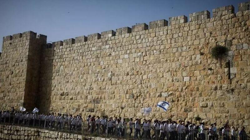 """الاتفاق على تنظيم """"مسيرة الأعلام"""" في القدس المحتلة يوم الثلاثاء"""