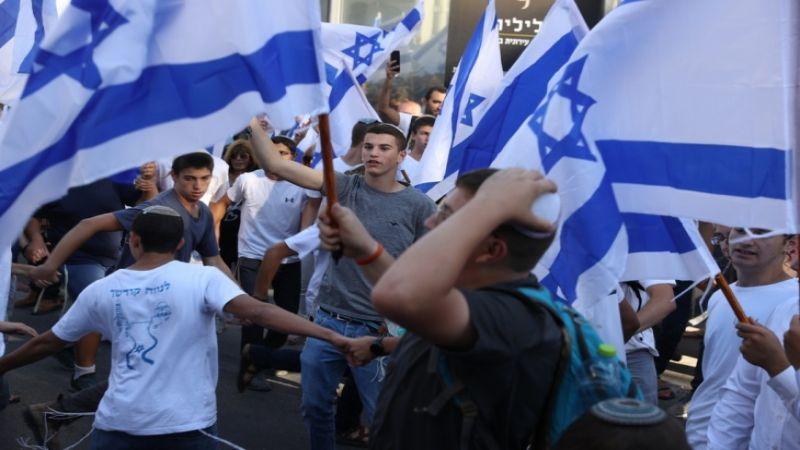 """مسيرة الأعلام"""" في باب العامود بالقدس وإنطلاق مظاهرات في الضفة وغزة تنديدًا بها"""