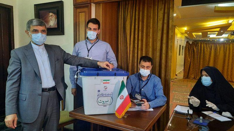 الإيرانيون في لبنان ينتخبون رئيسهم في 3 مراكز للاقتراع