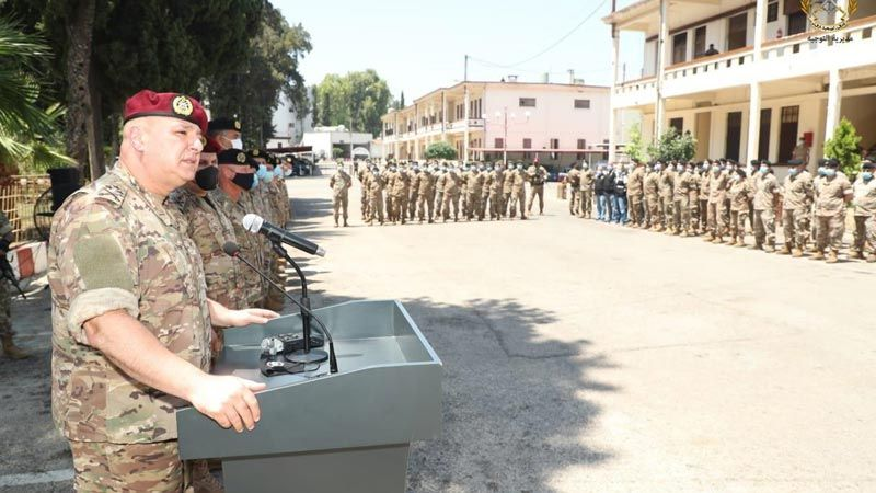 الجيش يواصل مداهماته والعماد عون يزور طرابلس