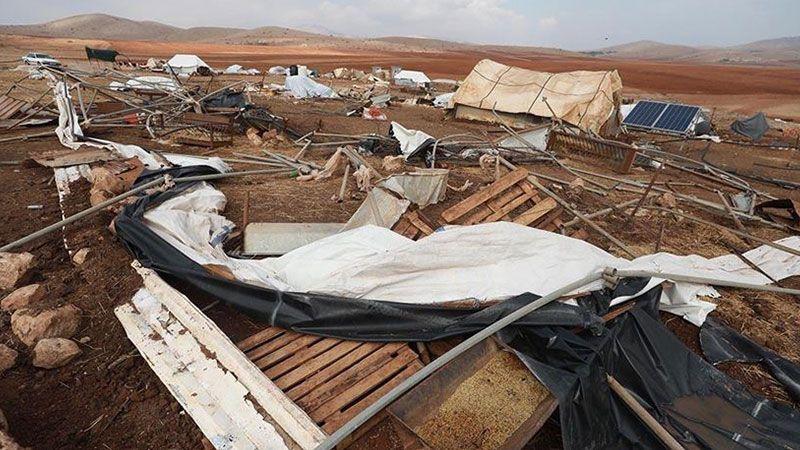 الاحتلال يهجّر عشرات الفلسطينيين من قرية خربة حمصة