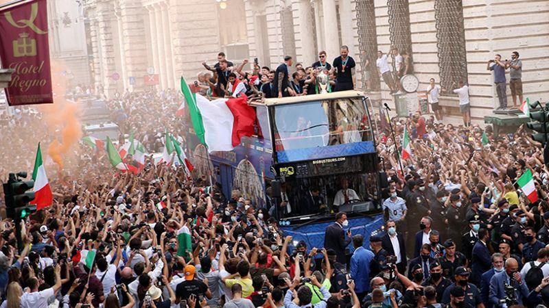 استقبال حاشد للمنتخب الإيطالي بعد التتويج باليورو