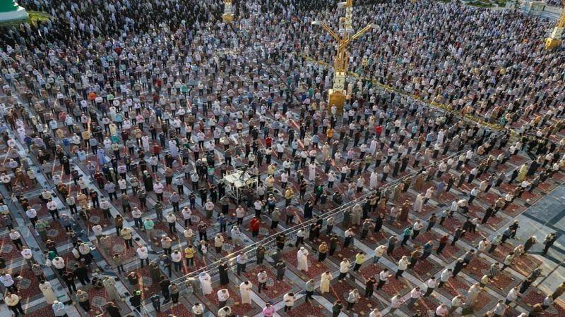 بالصور: صلاة عيد الأضحى في العتبة الرضوية المقدسة