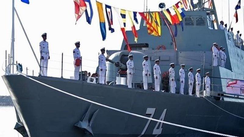 بارجتان حربيتان إيرانيتان في بطرسبورغ للمشاركة في عرض بحري عسكري
