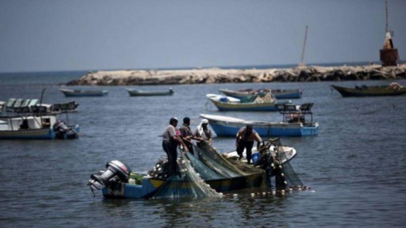 الاحتلال يقلّص مساحة الصيد في غزة