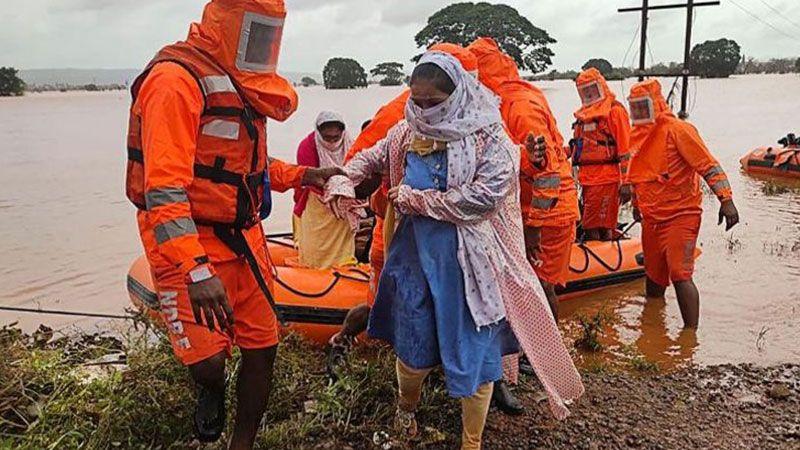 حصيلة ضحايا فيضانات الهند والصين ترتفع.. ومخاوف من إعصار مدمر