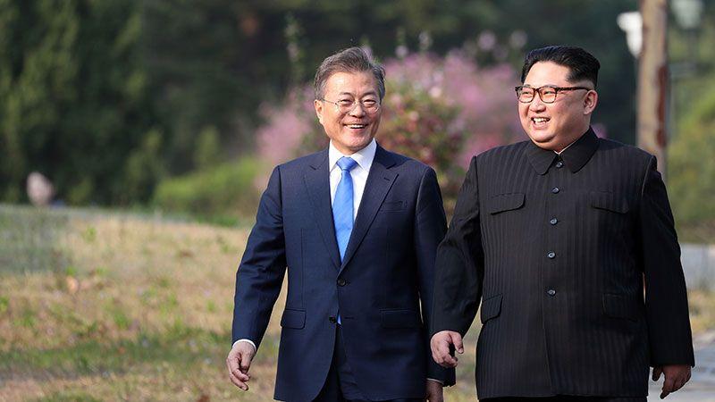 الكوريتان تُعيدان فتح الخطوط الساخنة بينهما