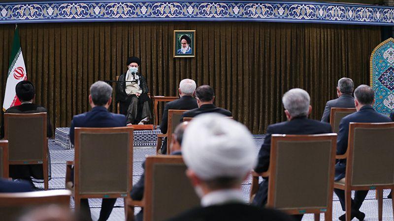 الإمام الخامنئي: لا رهان على الغرب
