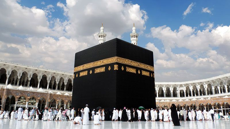 السعودية تستأنف استقبال المعتمرين من الخارج