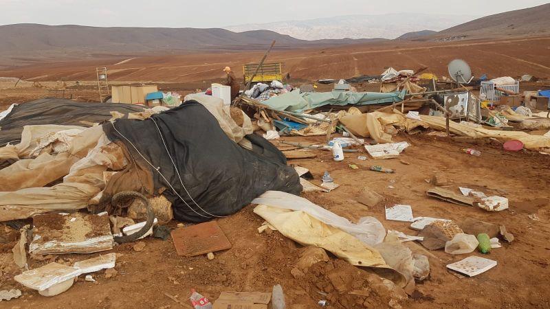 الاحتلال ينفّذ عمليات هدم واسعة في خربة ابزيق بالأغوار الشمالية