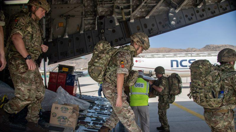 """بريطانيا تقرّ بالهزيمة في أفغانستان: سيُنظر إلى الغرب على أنه """"ضعيف ومفكك"""""""