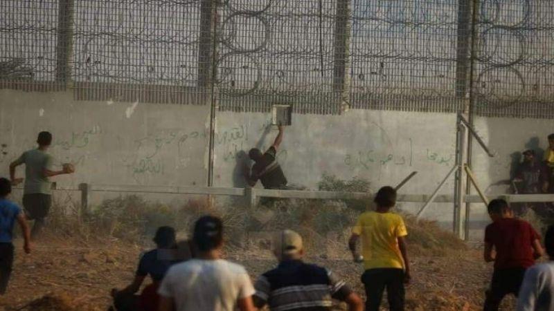 من مسافة صفر.. شاب فلسطيني يطلق الرصاص على جندي صهيوني
