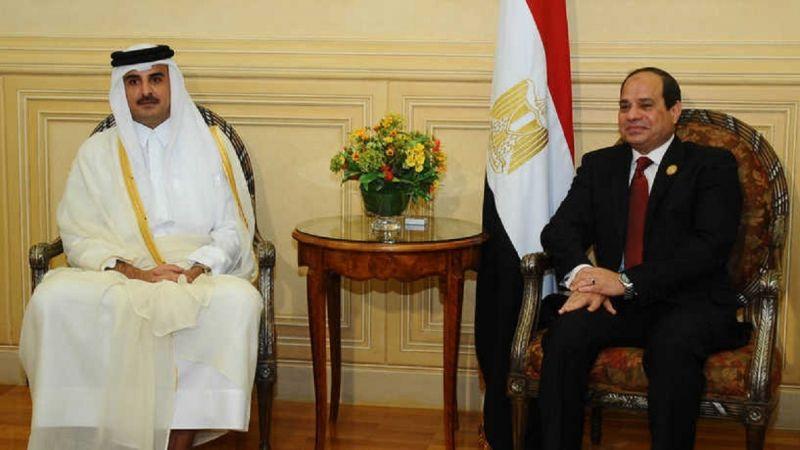 الرئيس المصري وأمير قطر يتفقان على أهمية تعزيز العلاقات