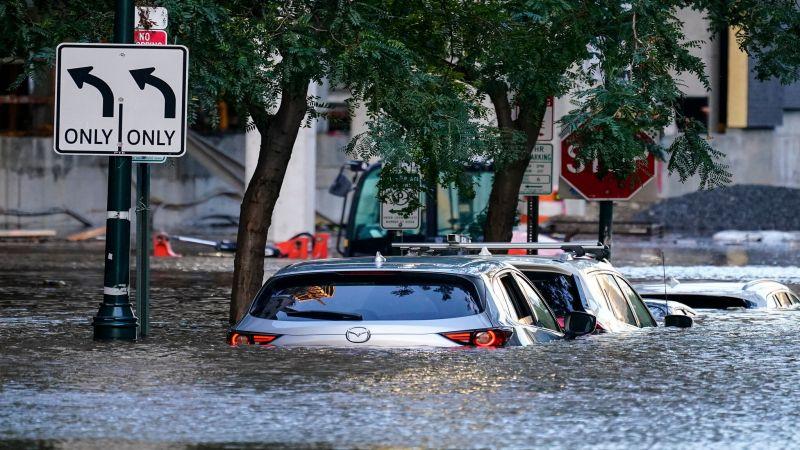 """إعصار """"أيدا"""" في نيويورك يودي بحياة 44 شخصًا"""