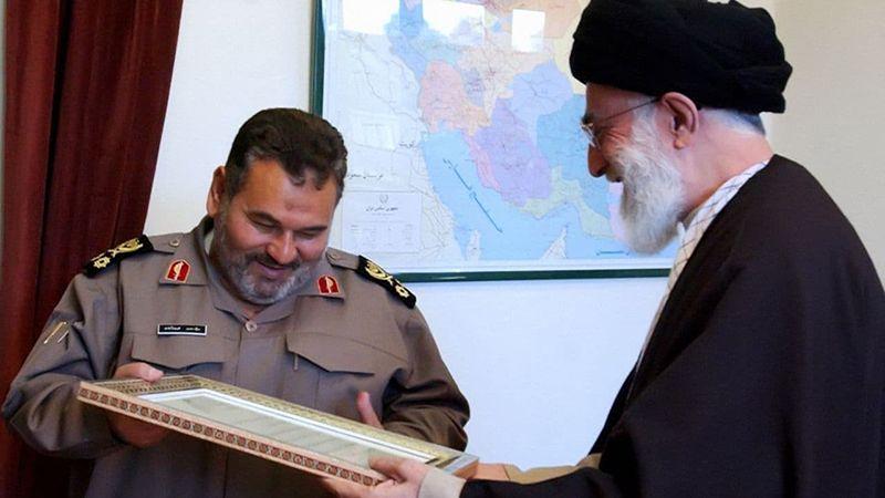 الإمام الخامنئي يعزي بوفاة اللواء فيروزآبادي