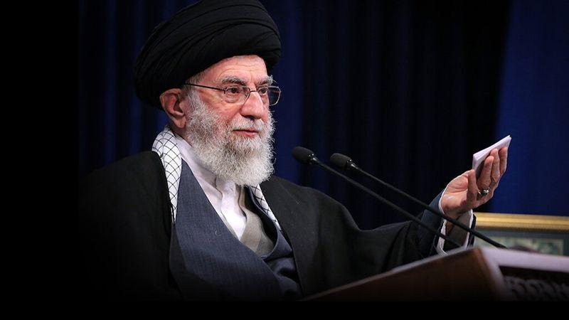 الإمام الخامنئي معزيًا بالسيد الحكيم: فقدانه خسارة علمية للأمة الإسلامية