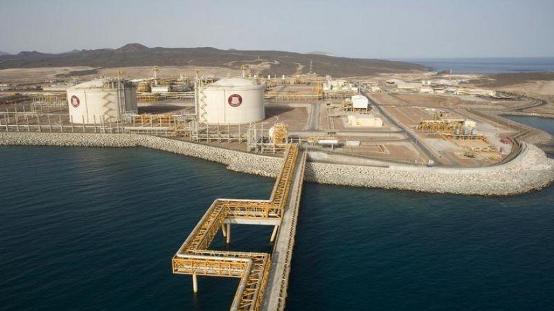 اليمن: الإمارات تحوّل ميناء بلحاف النفطي إلى ثكنة عسكرية