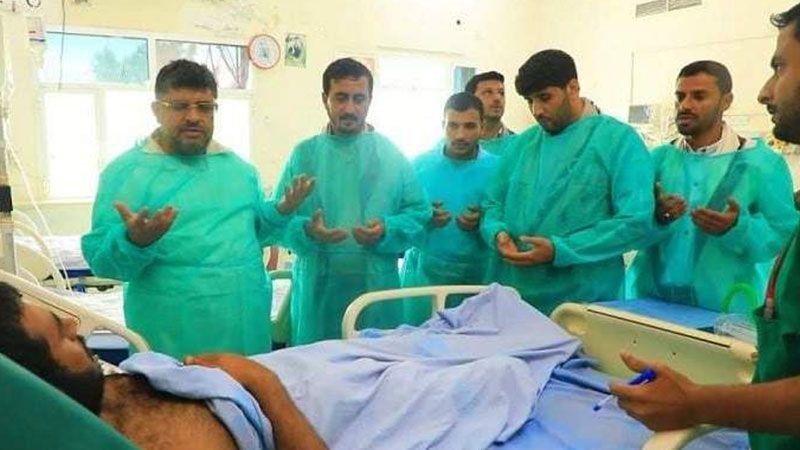 وفد قيادي يمني يزور جرحى الجيش واللجان الشعبية