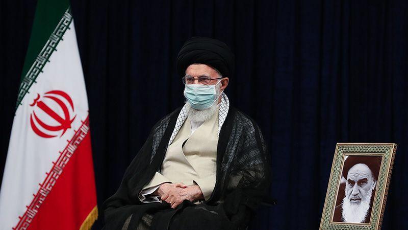 الإمام الخامنئي: إظهار الحق يقضي على مخطّطات العدو