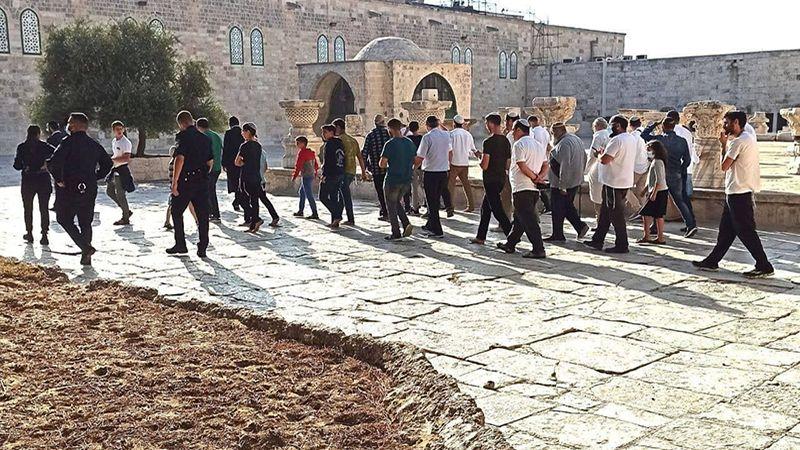 الاحتلال يحوّل باحات الأقصى إلى ثكنة عسكرية