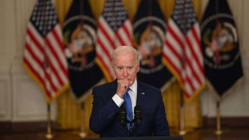 """انتهاء """"شهر عسل"""" بايدن بتراجع شعبيته: تحوّل الناخبين السود وأفغانستان مشكلة مفتوحة"""