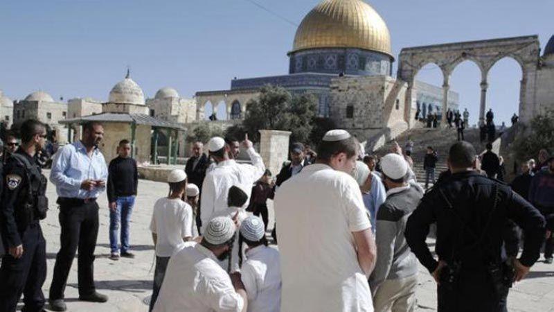 استنكار فلسطيني لمنح المستوطنين حق الصلاة الصامتة داخل الاقصى