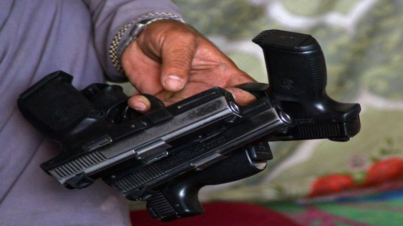 تركة الاسلحة الاميركية في افغانستان: انتشار المتاجر الحربية من المسدس الى المدفع(2)