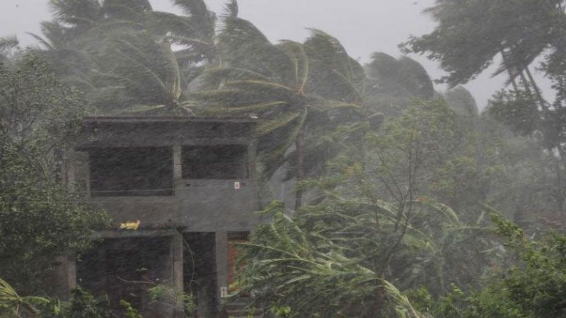 """160 إصابة في إعصار """"فاني"""" في الهند"""