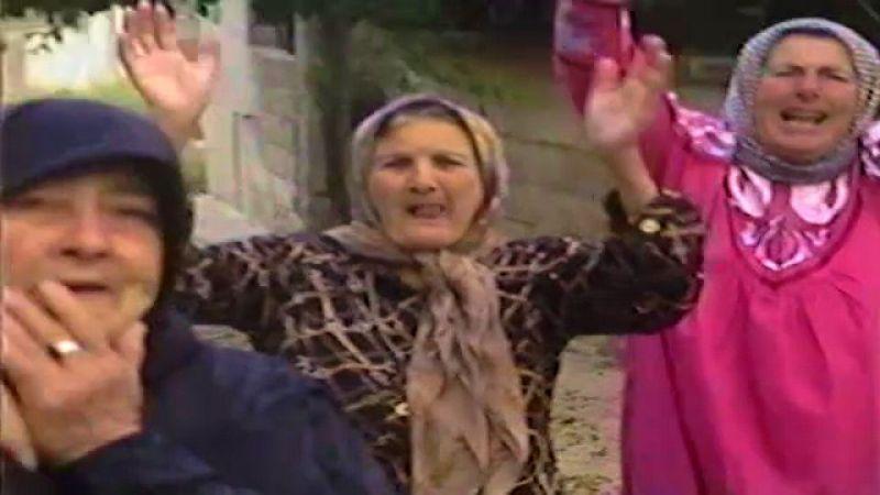 في اجواء عيد المقاومة والتحرير .. نسوة الطيري يستذكرن أيام نصر الله