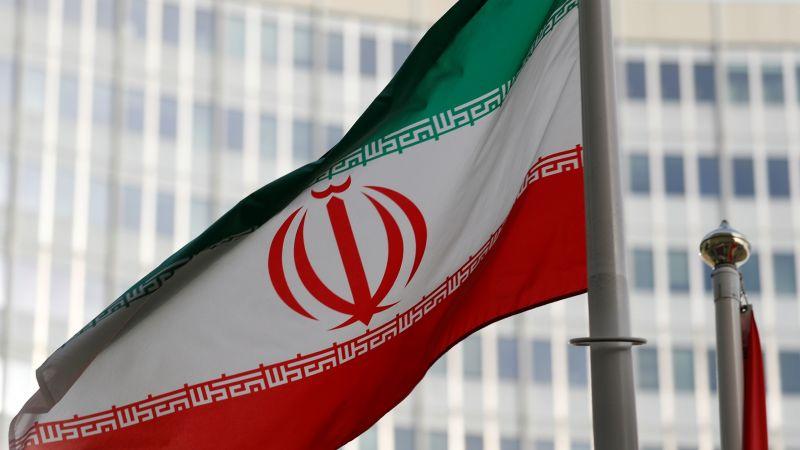 إيران تبدأ تعلیق بعض التزاماتها النووية
