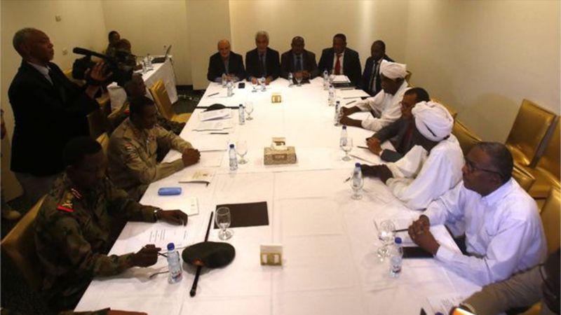 السودان: المجلس العسكري يوافق على إطلاق سراح جميع السجناء السياسيين