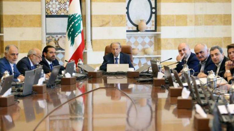 """جلسة حكومية بعد """"القطيعة""""..لا مصافحة والرئيس عون يمنع """"الإنفجار"""""""