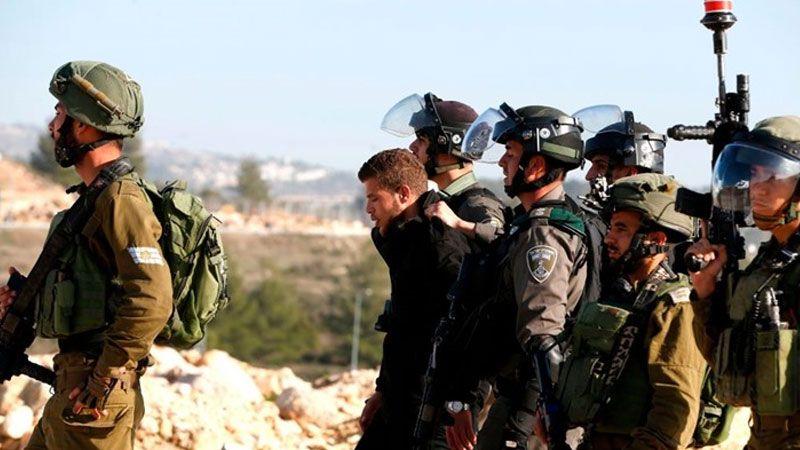 الاحتلال يعتقل ثمانية فلسطينيين في الخليل والعيسوية