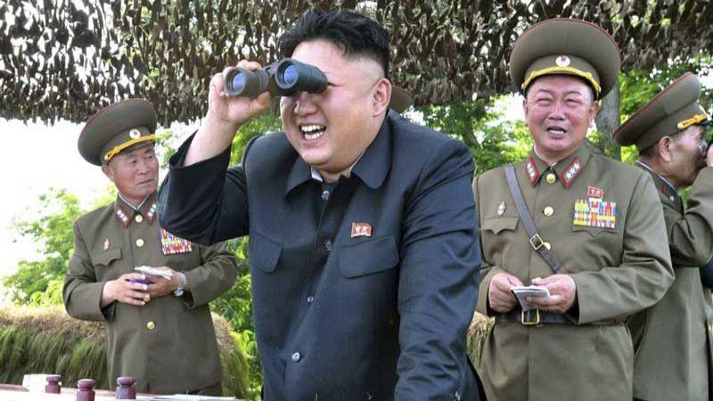 كيم جونج أون أشرف على تدريبات لاختبار راجمات الصواريخ بعيدة المدى