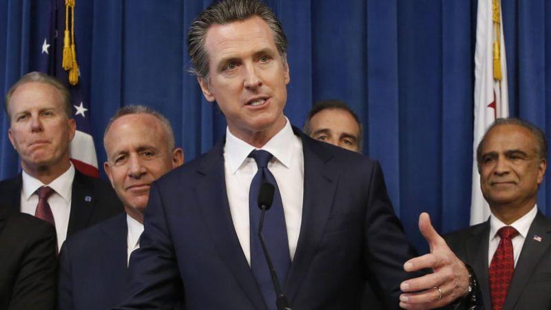 حاكم كاليفورنيا يطالب ترامب بنشر إقراراته الضريبية