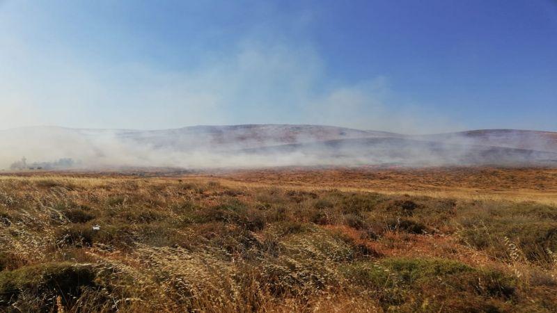 اندلاع حريق كبير في بلدة شعث البقاعية والدفاع المدني يعمل على اطفائه