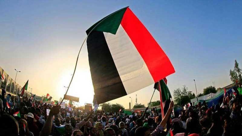 بالأحرف الأولى.. الأطراف السودانية توقّع على الإعلان الدستوري