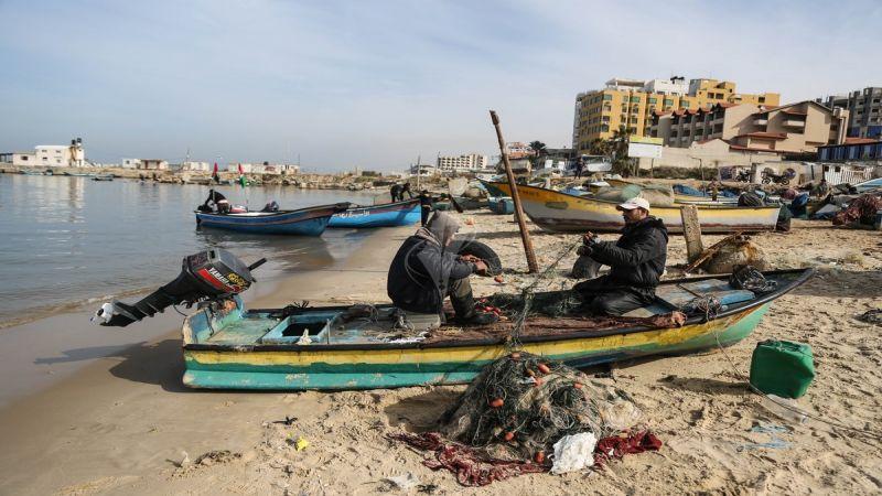 الاحتلال يحظر على الصيادين الفلسطينيين الوصول إلى 85% من المساحة الواردة في اتفاق أوسلو