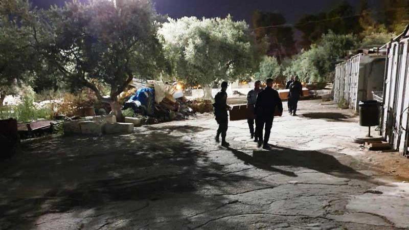 الاحتلال يقتحم مصلى باب الرحمة ويفرغه من محتوياته