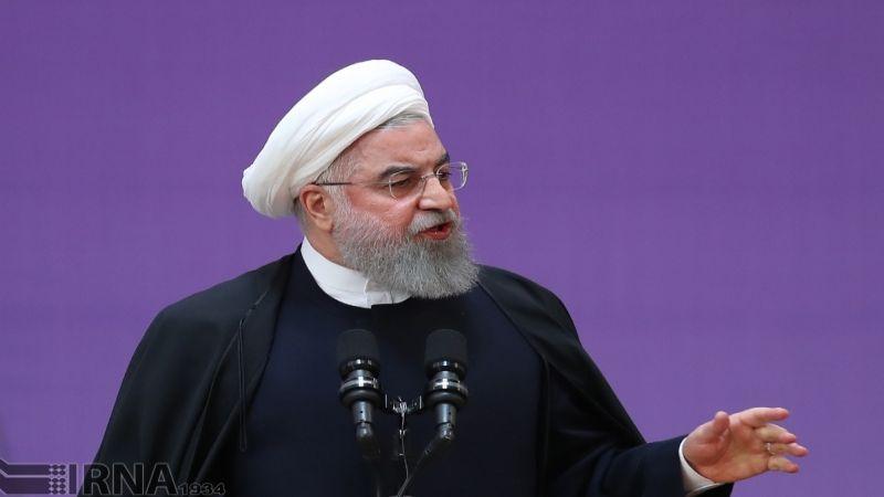 روحاني يدعو لمواصلة بيع النفط لمواجهة الأميركيين