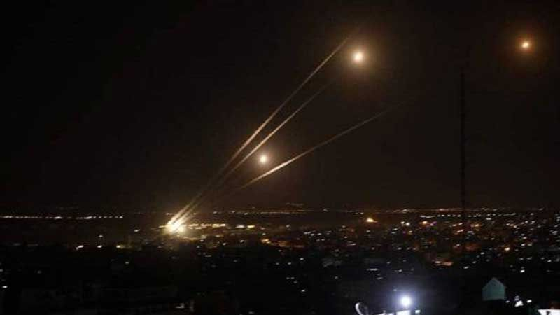 عودة الهدوء إلى غزة ووقف لاطلاق النار مشروط بتنفيذ تفاهمات كسر الحصار عن القطاع