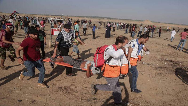 """إصابة عشرات الفلسطينيين خلال قمع جمعة """"الأرض مش للبيع"""" في غزة"""