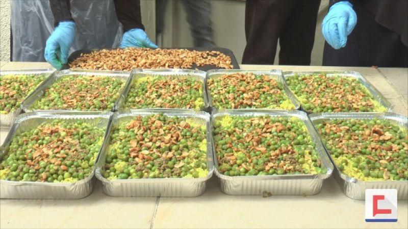 بالفيديو: مبادرة شبابية بسيطة تطعم مئات العائلات الصائمة